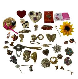 Mixed Lot 41 Pins Brooches Vintage For Crafts or Fashion Jew